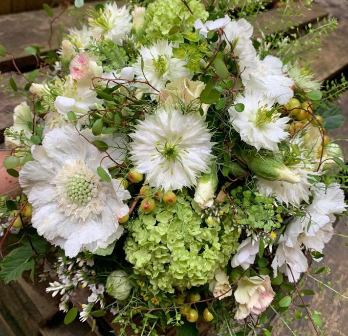 Brautstrauß_weiß_diverse Blüten