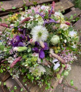 Sommerurlaub_lila weißer Brautstrauß