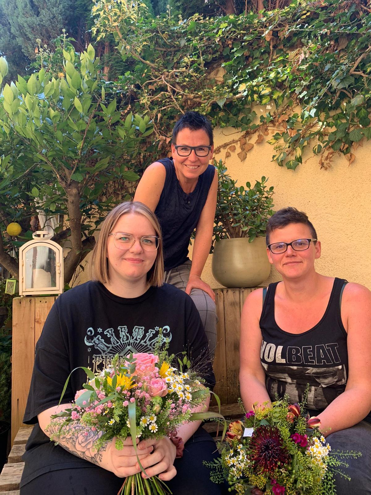 Das florales-Mädels-Trio
